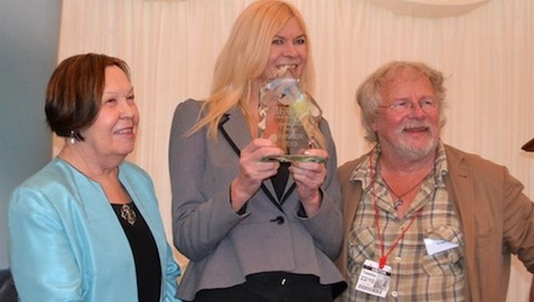 Bill Oddie and Baroness Gale of the International Fund For Animal Welfare present the 2013 IFAW Innovation Award to DogLost founder Jayne Hayes